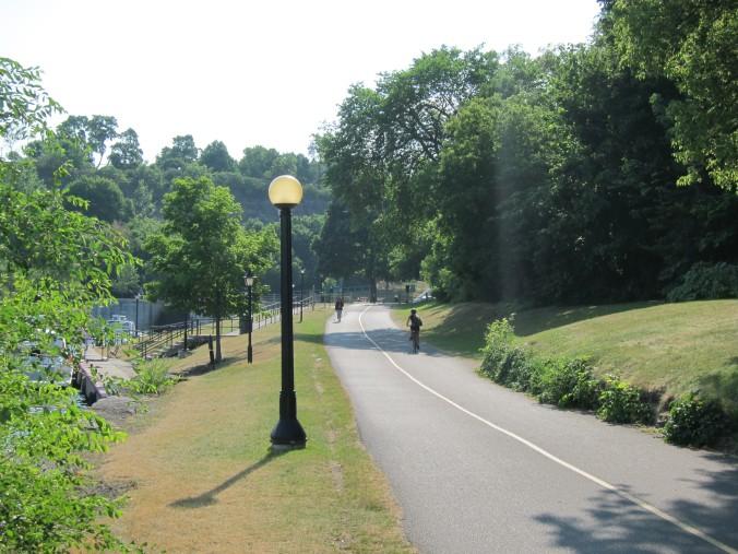 Ottawa River cycling path