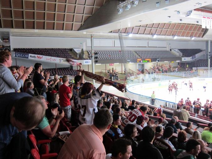 HC Sparta fans celebrating a goal