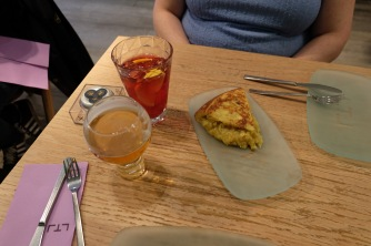 Spanish tortilla and drinks at Lateral
