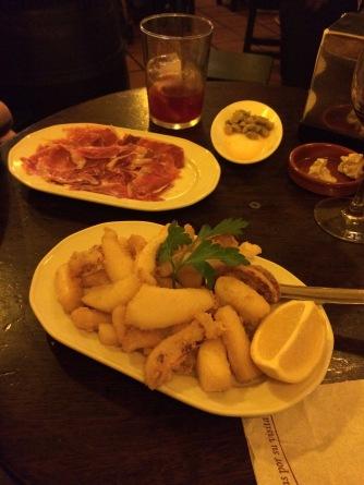 Chocos fritos and ham at Sanlúcar