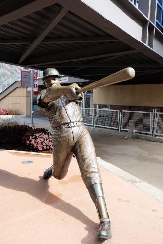Harmon Killebrew statue